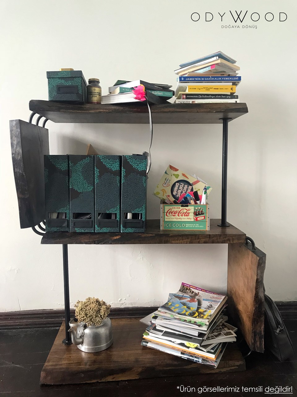 BETTON Walnut Wood Bookshelf'in resmi