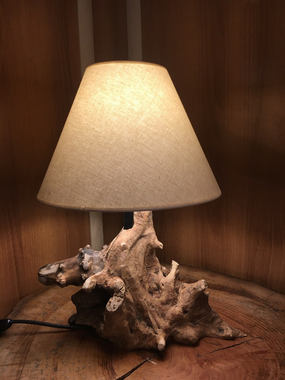 Forest Tree Lamp / Desk Lamp'in resmi