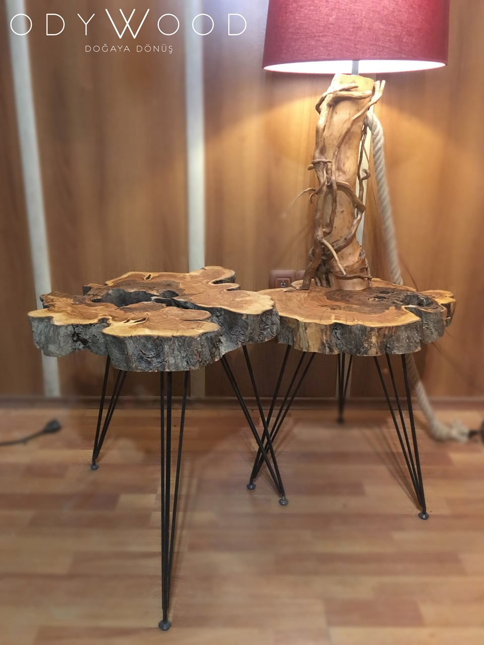"Olive Wood ""Mercan"" Coffee Table'in resmi"