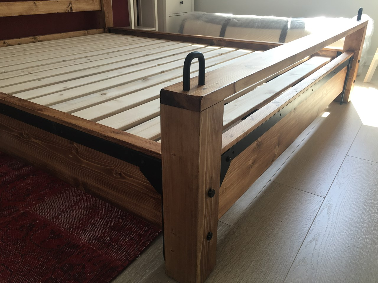Retro Industrial Style Bedstead'in resmi