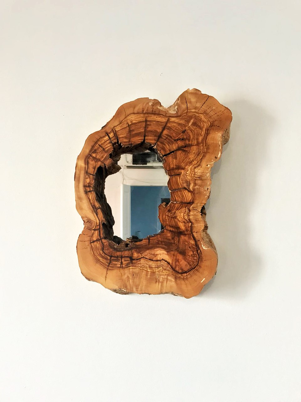 Deep Live Edge Wood Mirror No1'in resmi