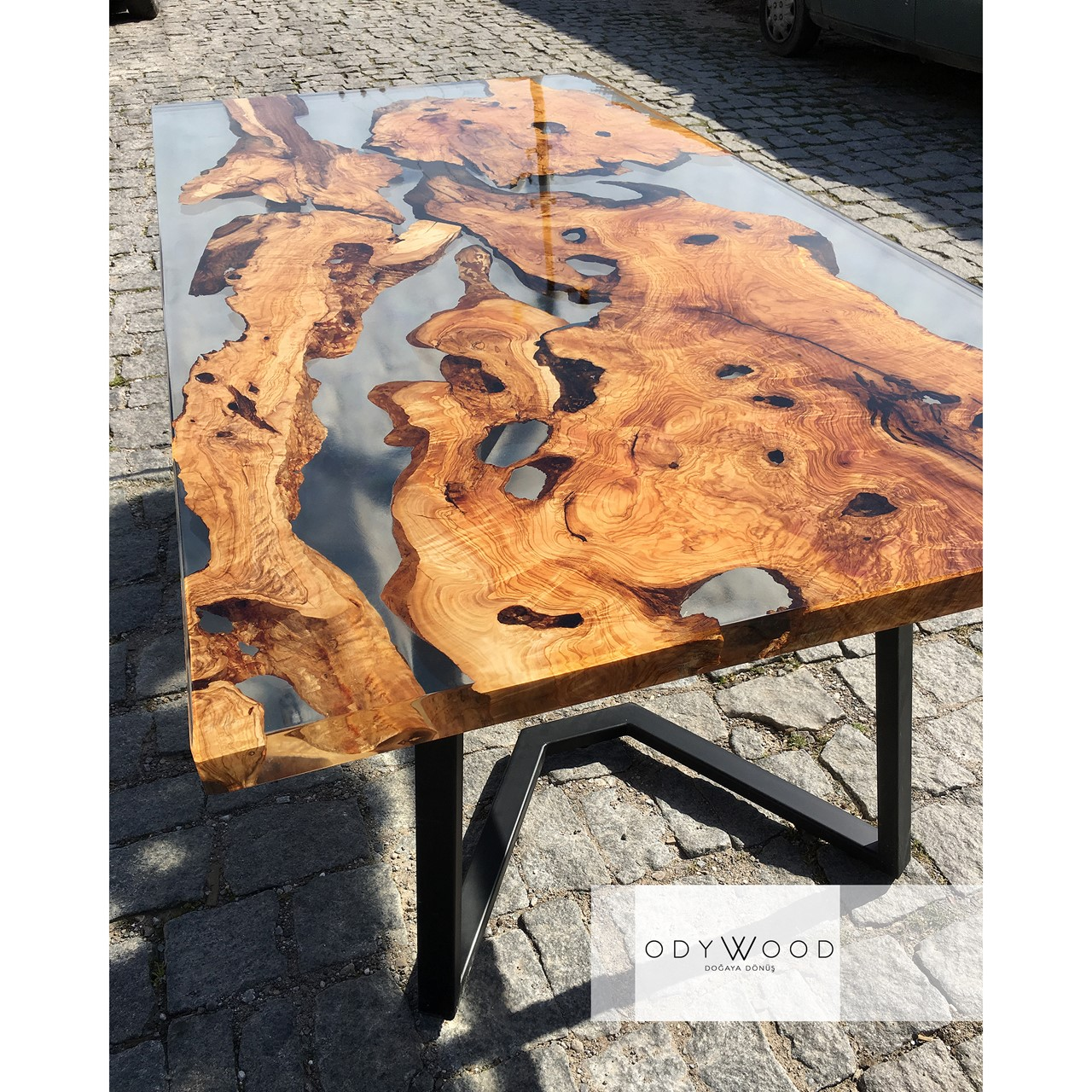 live-edge-olive-slabs-dining-table-with-transparent-epoxy-custom