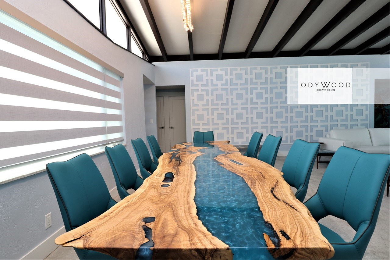 Ocean Resin Dining Table'in resmi