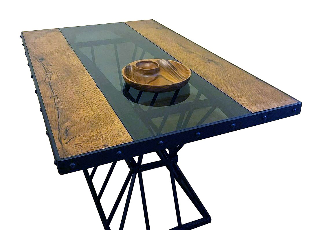Riverside Special Serie Dining Table'in resmi
