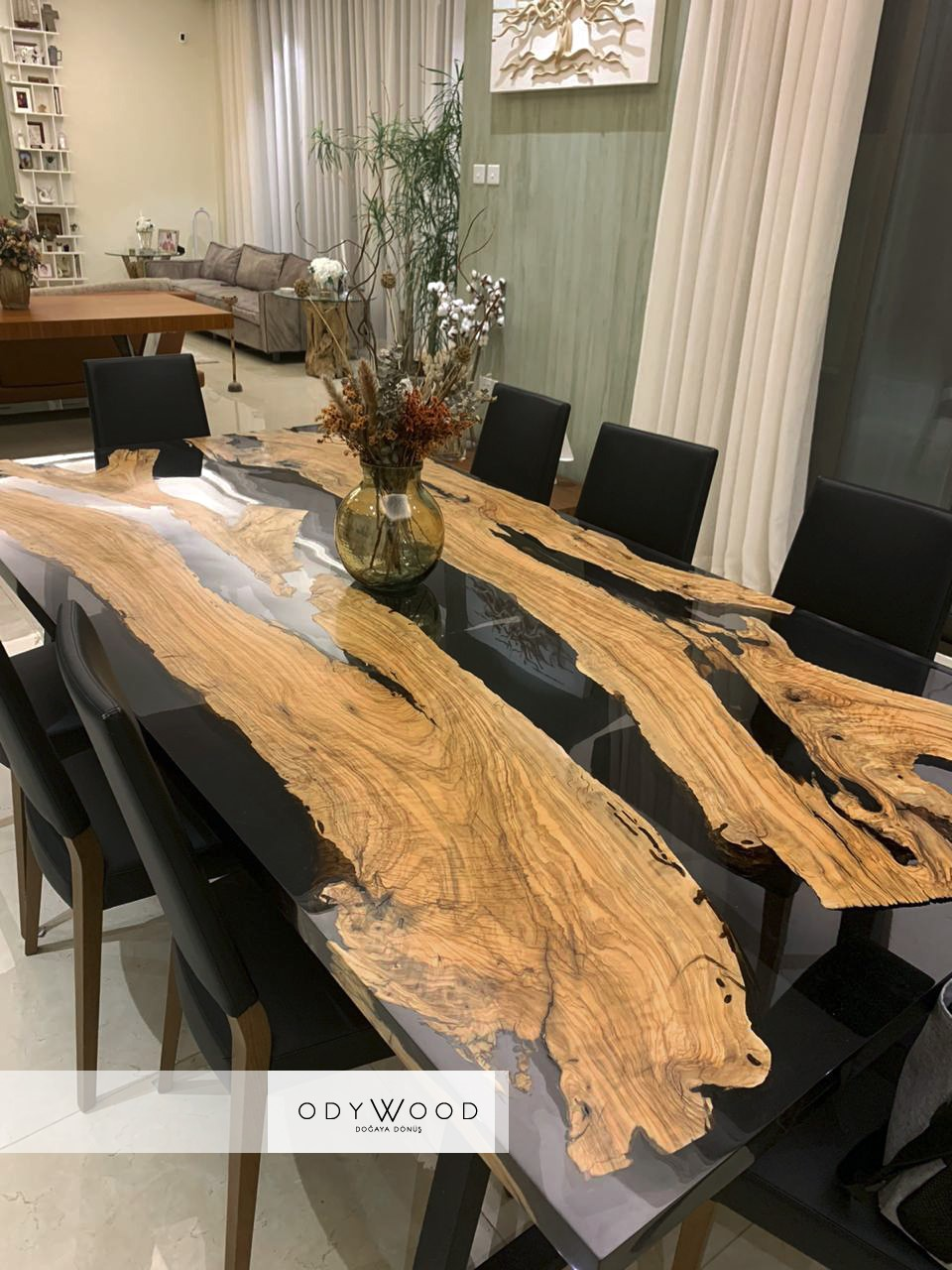 transparent-black-epoxy-resin-dining-table