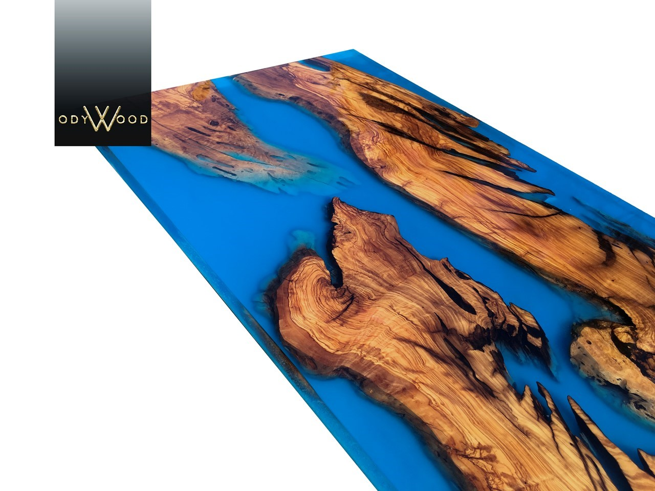 Live Edge Epoxy Coffee Table with Phosphorous Pigment'in resmi